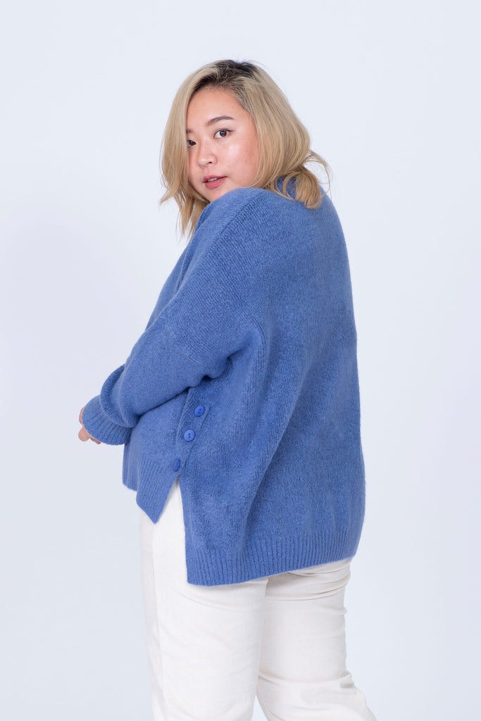 Oversized Knit In Blue With Button Details