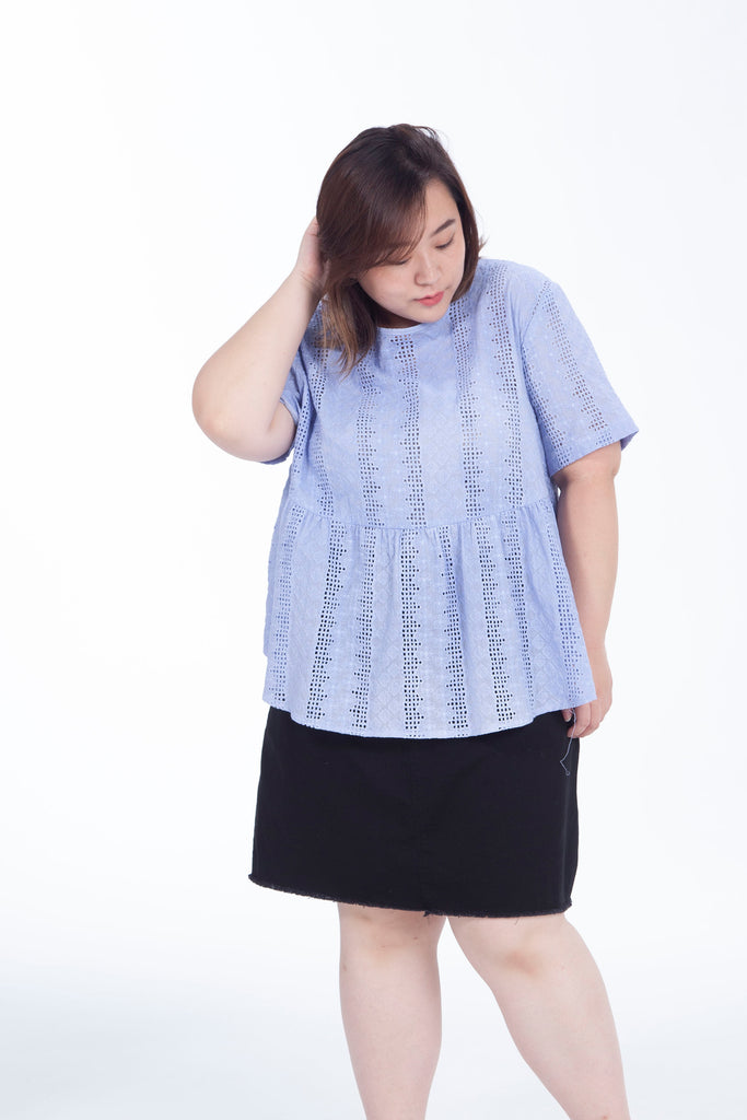 Broderie Top In Blue