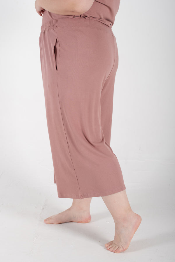 Ribbed Wide-Leg Trousers In Dusty Pink