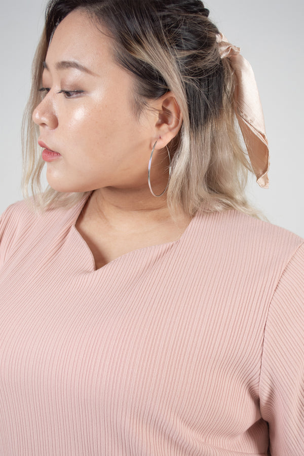 Sweetheart Neckline Ribbed Top In Pink