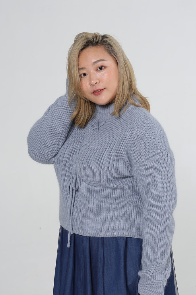 V-back Knitted Jumper In Blue