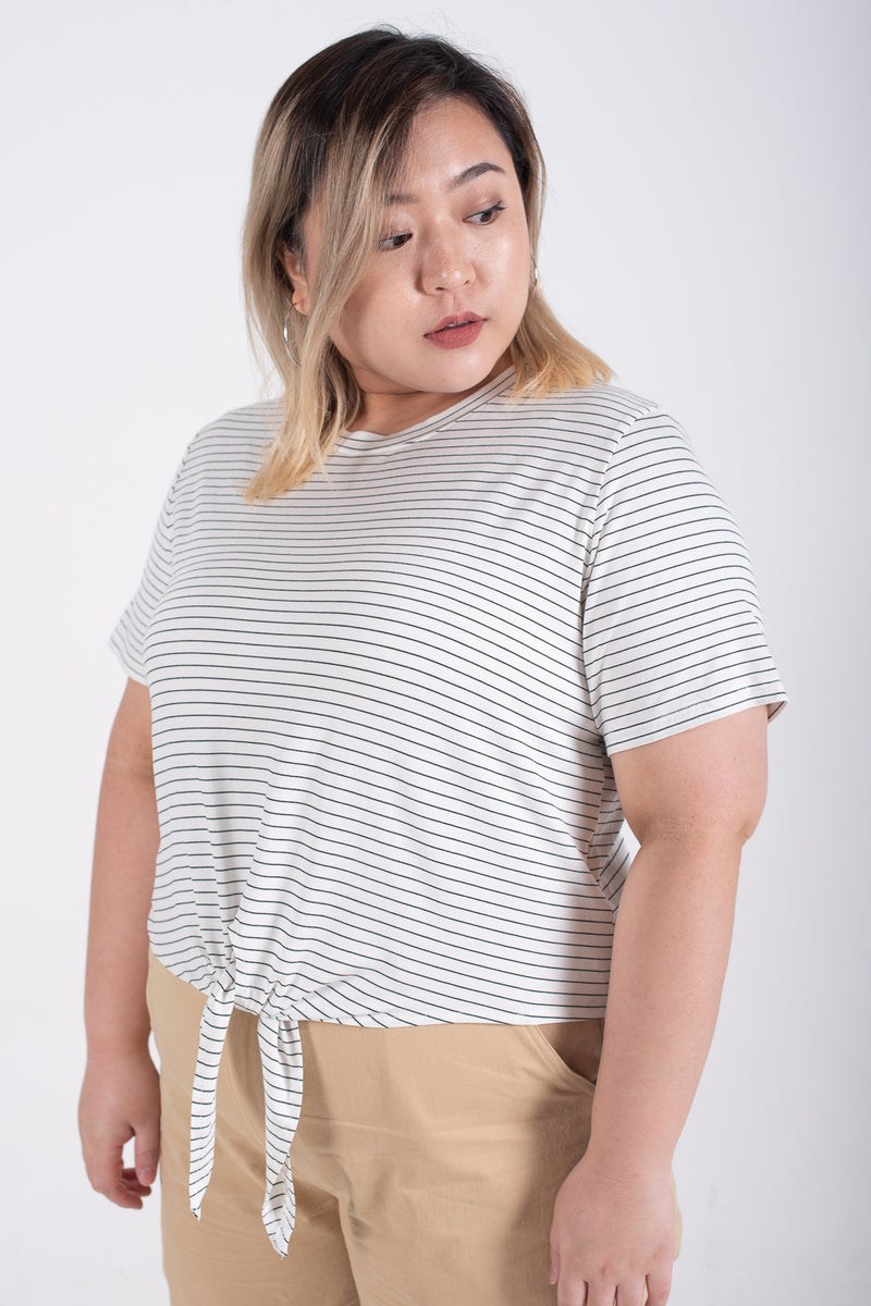 Tie Front T-shirt In Striped Print