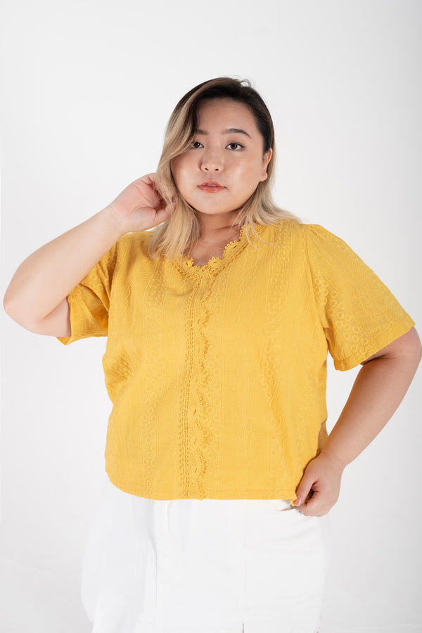 V-neck broderie Top In Yellow