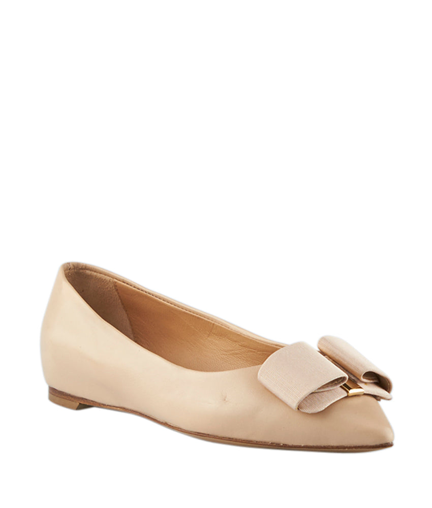 Salvatore Ferragamo Mimi Beige Leather Flats, Size 5