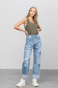 CROSSOVER DISTRESSED BOYFRIEND JEANS