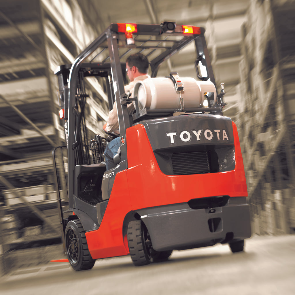 Internal Combustion Forklift vs. Electric Forklift: Which is Right for Your Needs?