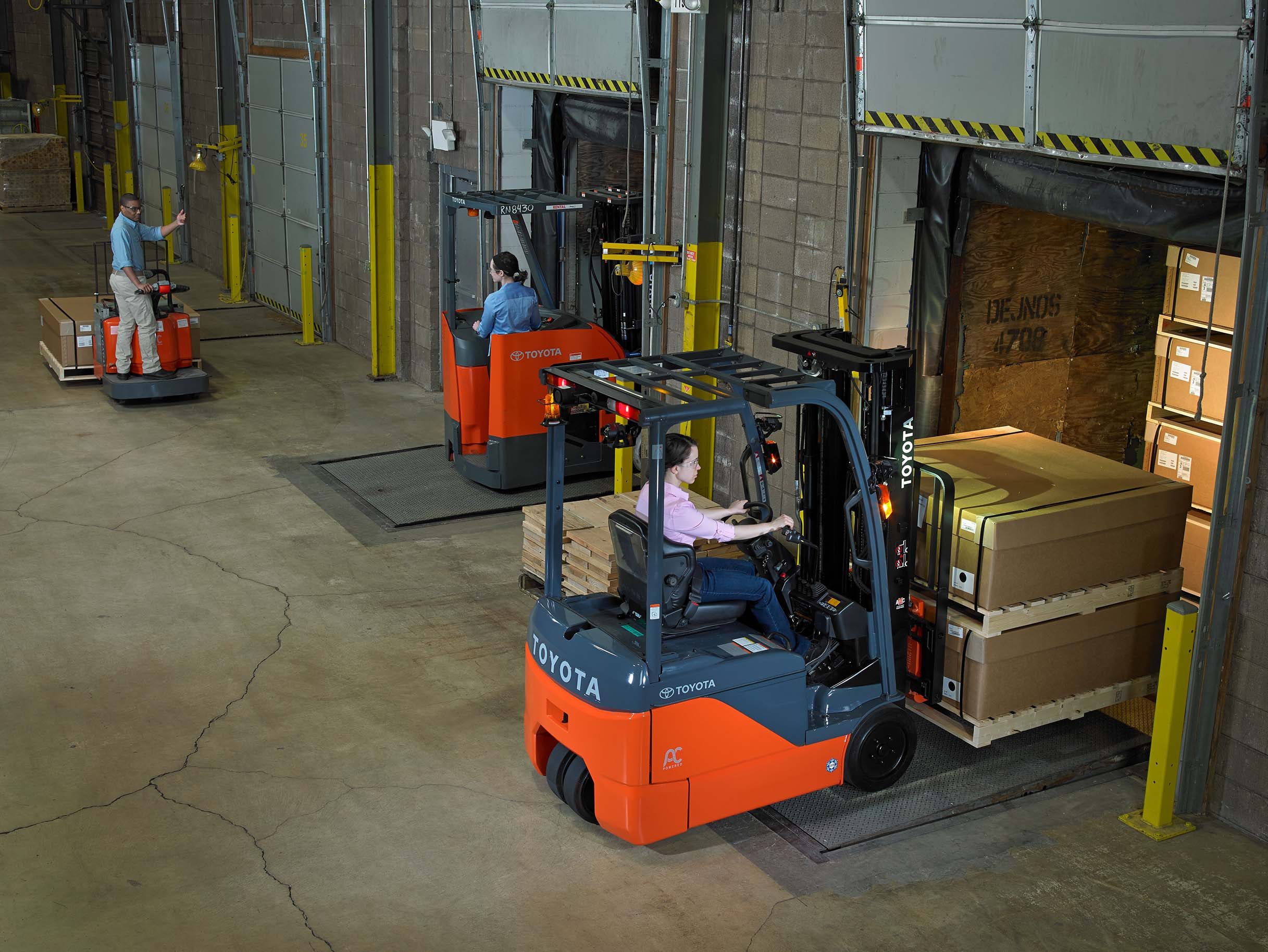 History of the Forklift: How Well Do You Know It?