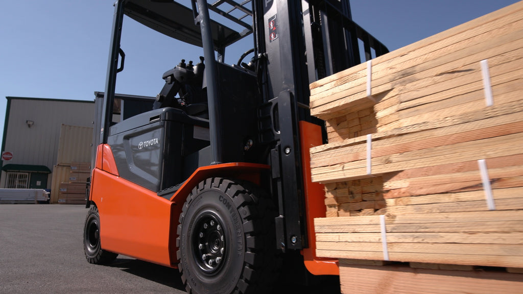 An Overview of the Types of Forklift Tires