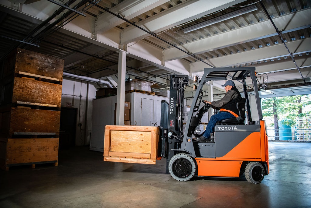 Need to Rent a Lift Truck? See How Liftow Can Help!