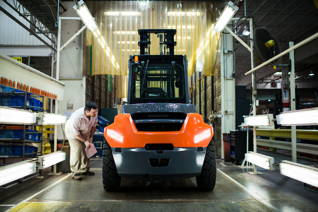 Using a Forklift Checklist To Improve Safety