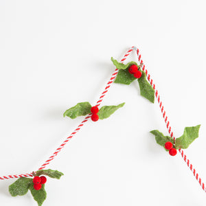 Twisted Rope with Holly Berry