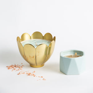 Gold Flower Candle - Fresh Sea Salt