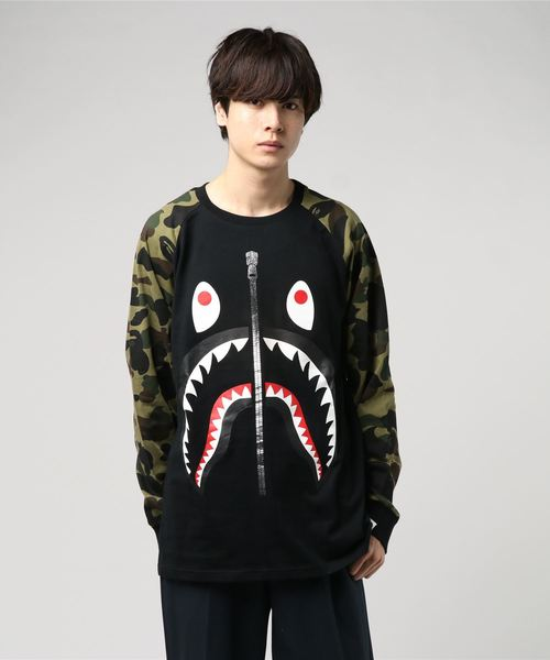 1st Camo Shark Long Sleeve (Dark Green) - Bape