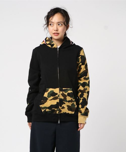 Flower 1st Camo Shark Full Zip (Black) - Bape Women's