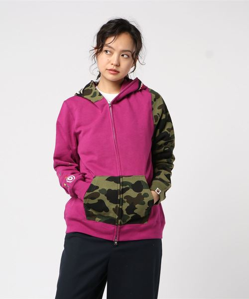 Flower 1st Camo Shark Full Zip (Pink) - Bape Women's