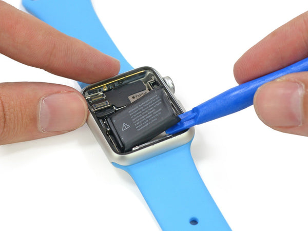 Apple Will Fix Apple Watch Series 2 Expanded Battery Issue