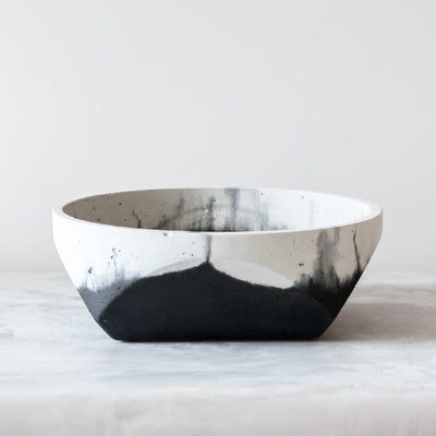 Cori Fade to Black Bowls made of concrete in black and white by Alice Tacheny