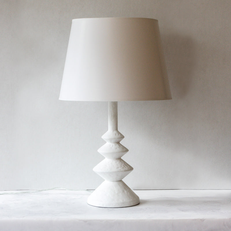 Ernst table lamp in white