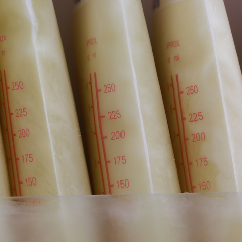 How to freeze and use hand expressed breast milk
