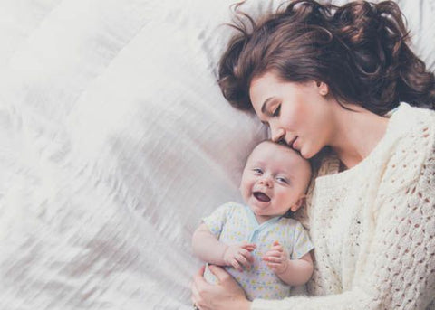 baby+mommy+cuddle+love+breastfeeding