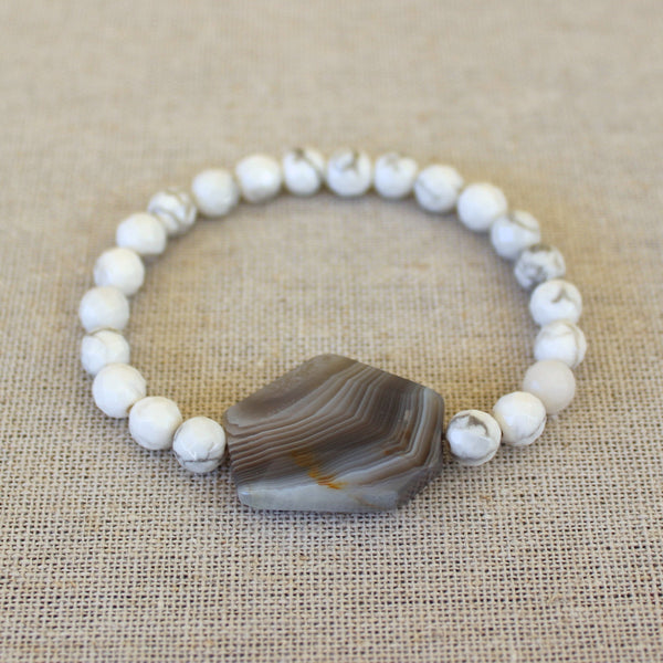 Agate and White Bracelet