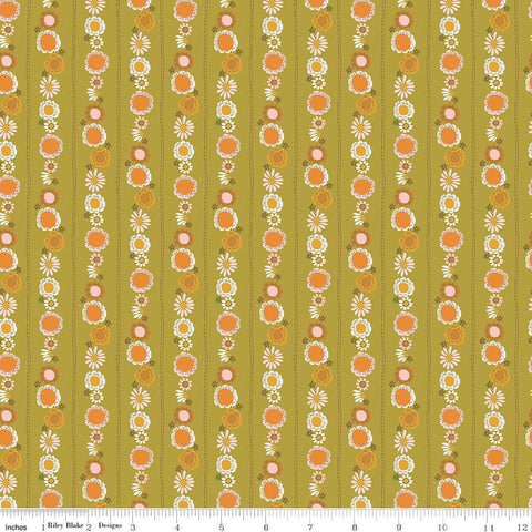 SALE Guinevere Daisy Chain Green - Riley Blake Designs - Floral Flowers - Citrus and Mint - Quilting Cotton Fabric
