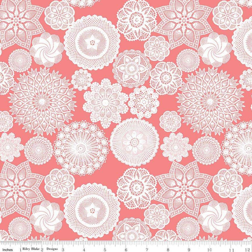 Vintage Keepsakes Doily Pink - Riley Blake Designs - White - Quilting Cotton Fabric