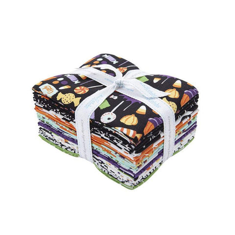 Hocus Pocus Fat Quarter Bundle 15 pieces - Riley Blake Designs - Pre cut Precut - Halloween - Quilting Cotton Fabric