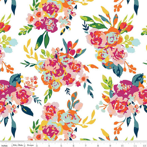 Garden Party Main C9560 Cream - Riley Blake Designs - Floral Flowers  - Quilting Cotton Fabric