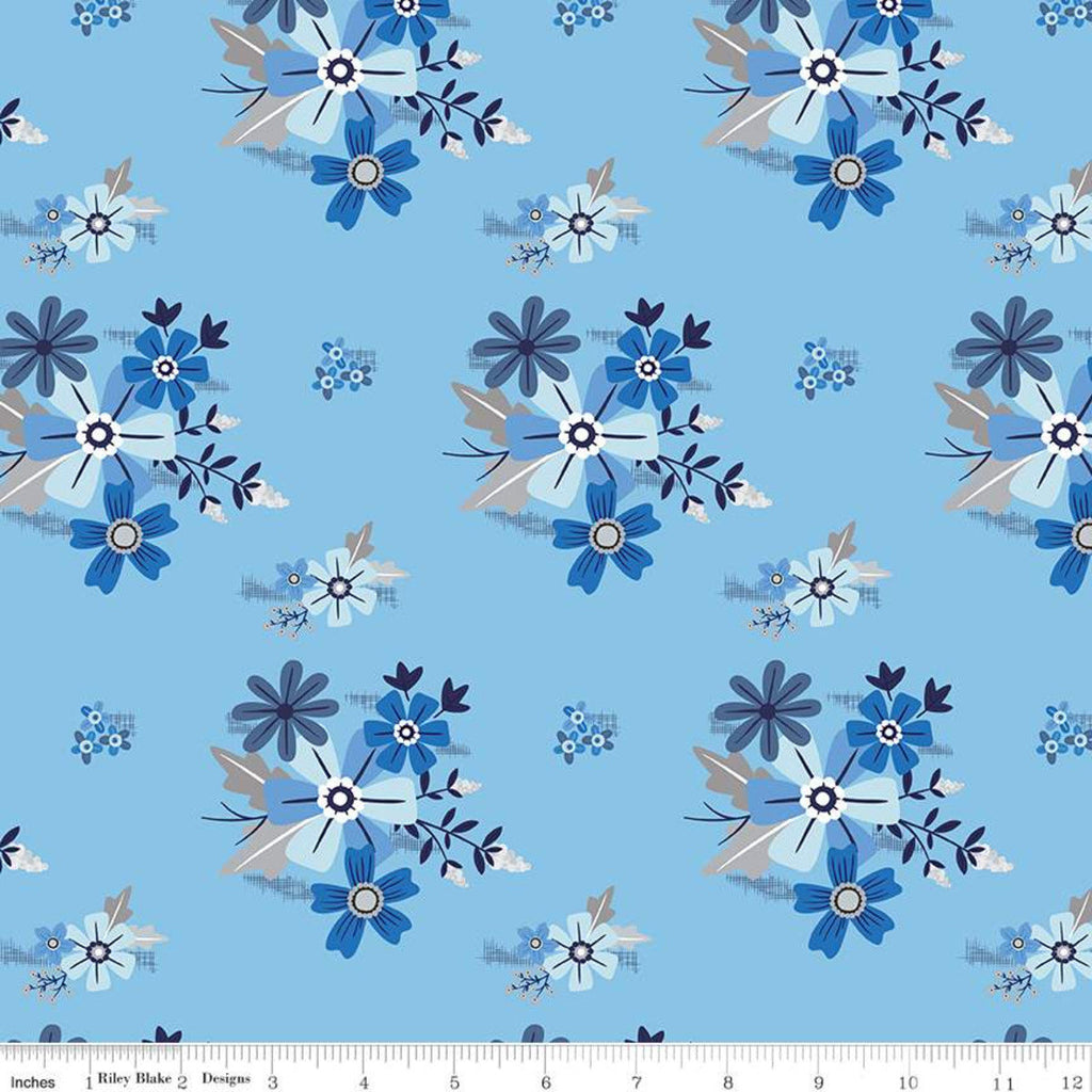 Blue Stitch Main C10060 Sky - Riley Blake Designs - Flowers Floral Blue -  Quilting Cotton Fabric