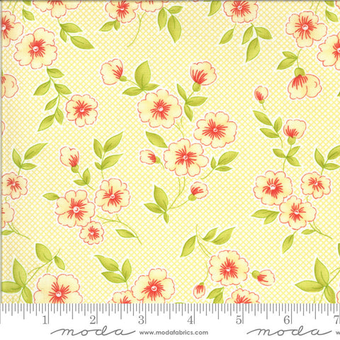 Figs and Shirtings Pinafore 20390 Churned Butter - Moda Fabrics - Floral Flowers Diagonal Check Yellow Natural - Quilting Cotton Fabric