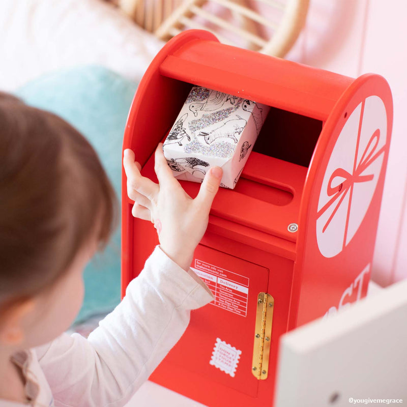 More ideas to extend their play with the Iconic Post Box 📮