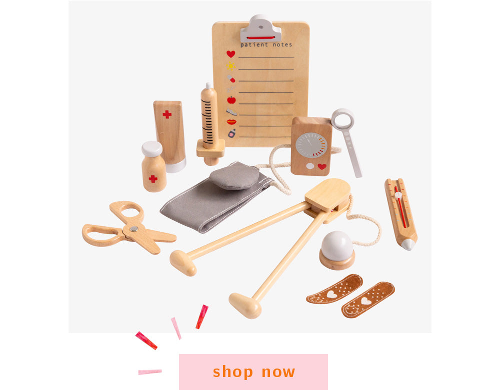 make me iconic wooden toys doctors kit