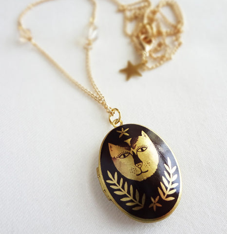 Sparkle Cat Face Locket - 2011