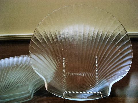 Shell Shaped Clear Glass Luncheon Plate 4pc set - FayZen's Kreations