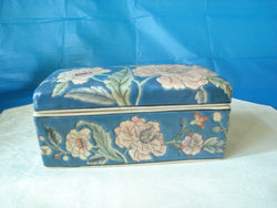 Japanese Blue Porcelain Floral Trinket Box with Matching Top - FayZen's Kreations