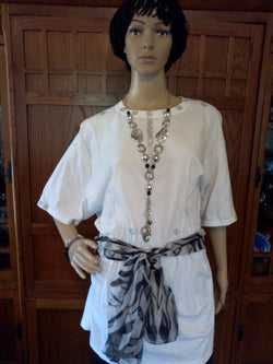 Silver Diamond Mesh Ribbon Handcrafted Ladies T-Shirt with Black & White Scarf plus Necklace, Earrings & Bracelet Set - FayZen's Kreations