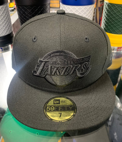 Los Angeles Lakers New Era Black / Black Fitted Hat