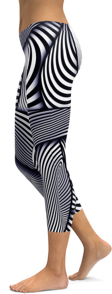 Optical Illusion Stripes Capris