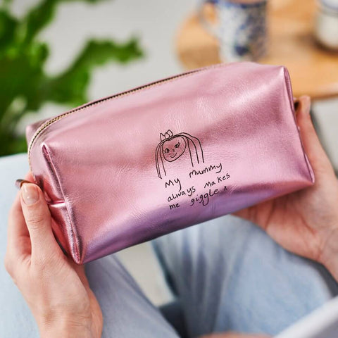 Ladies travel leather wash bag in pink