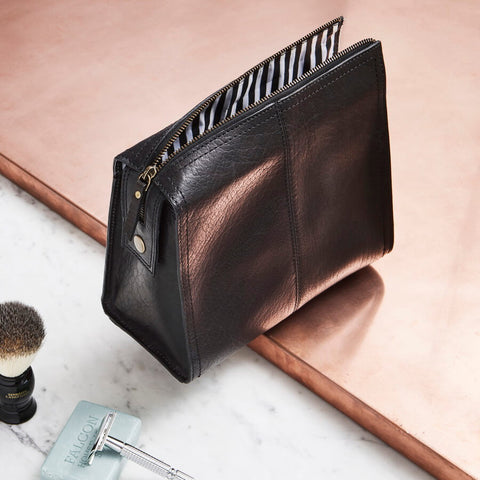 Black leather washbag for men