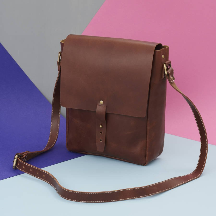 Maverick Leather Messenger Bag Dark Tan
