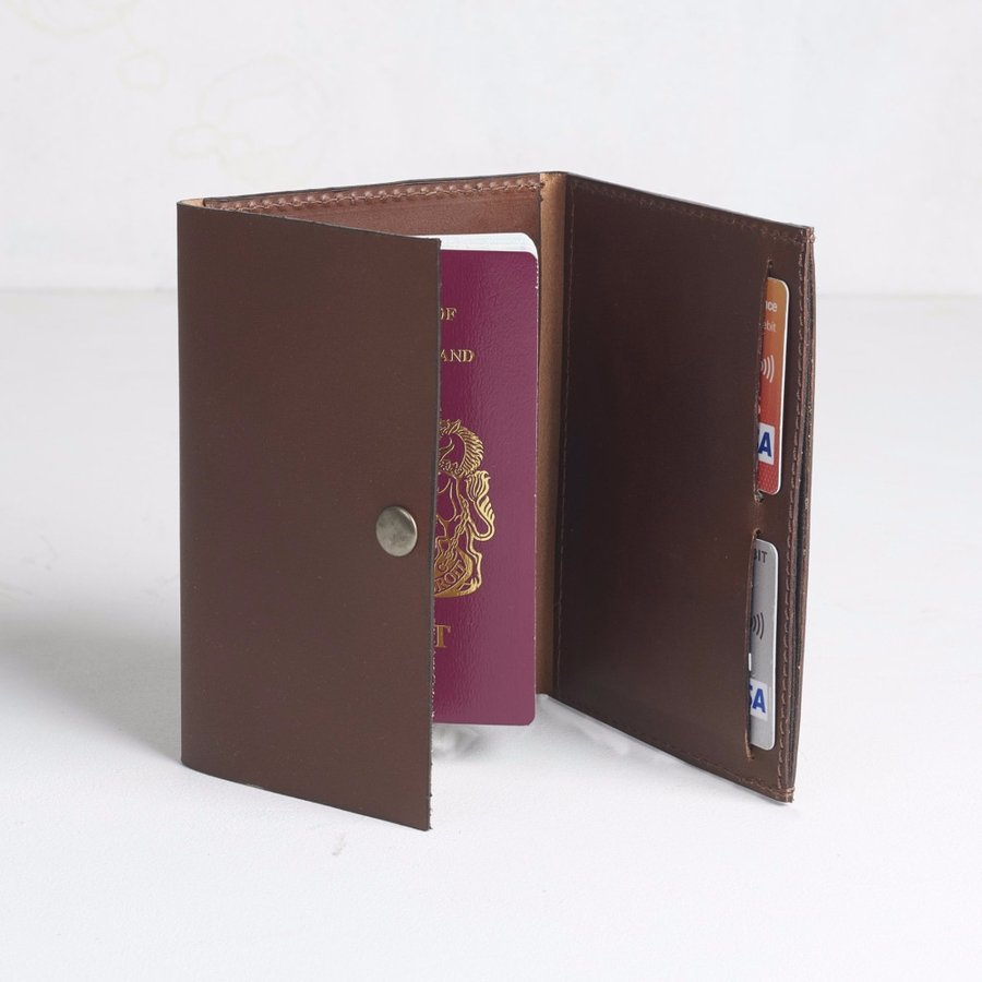 Leather Passport Case - Passport case with women by VIDA VIDA
