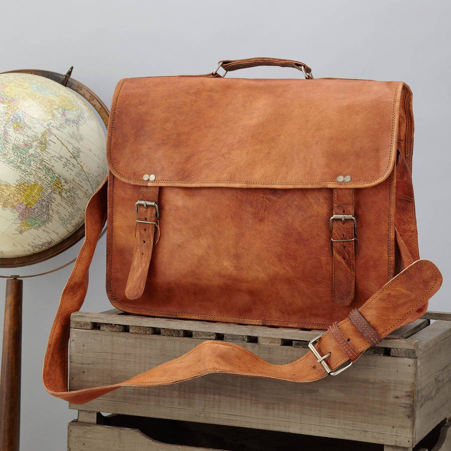 036037e6d7 Men S Leather Messenger and Laptop Bags With Pure Vintage Style.