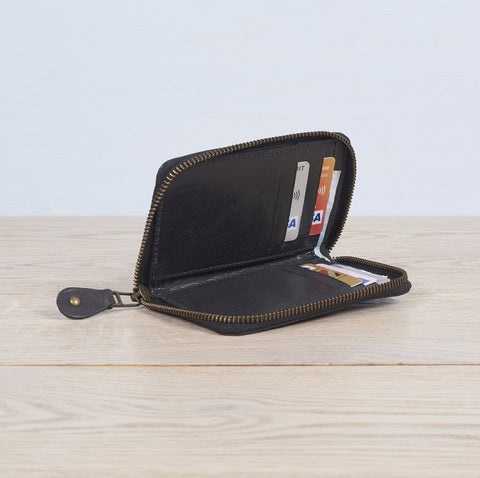 Leather zip up wallet in black