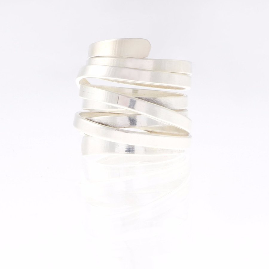 silver ring coil