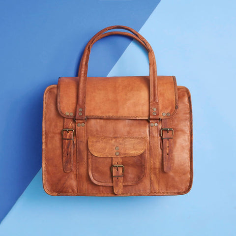 leather travel bag in tan brown vintage leather