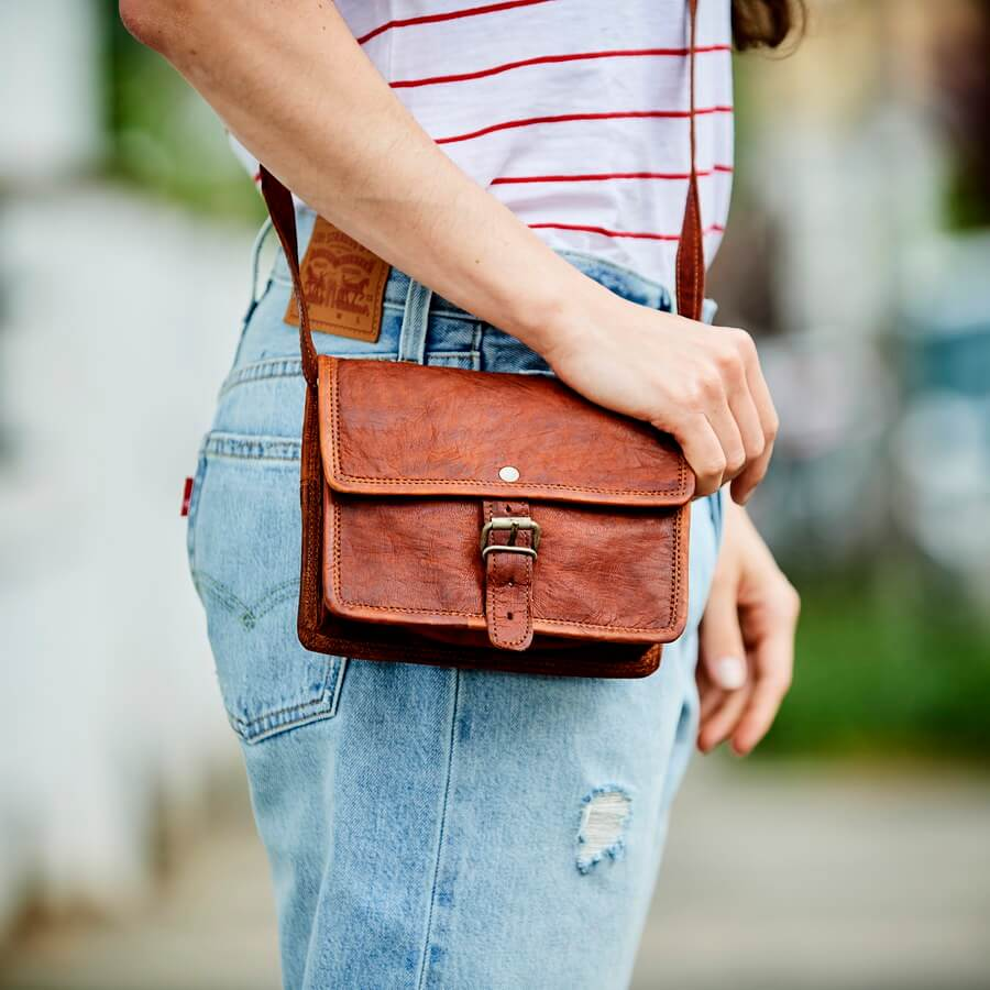 Min leather shoulder bag style satchel in tan