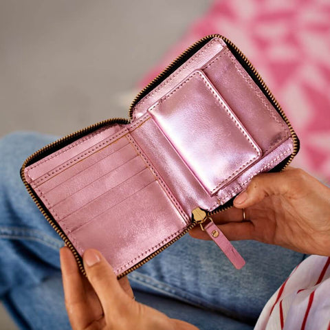 Metalic pink square leather purse