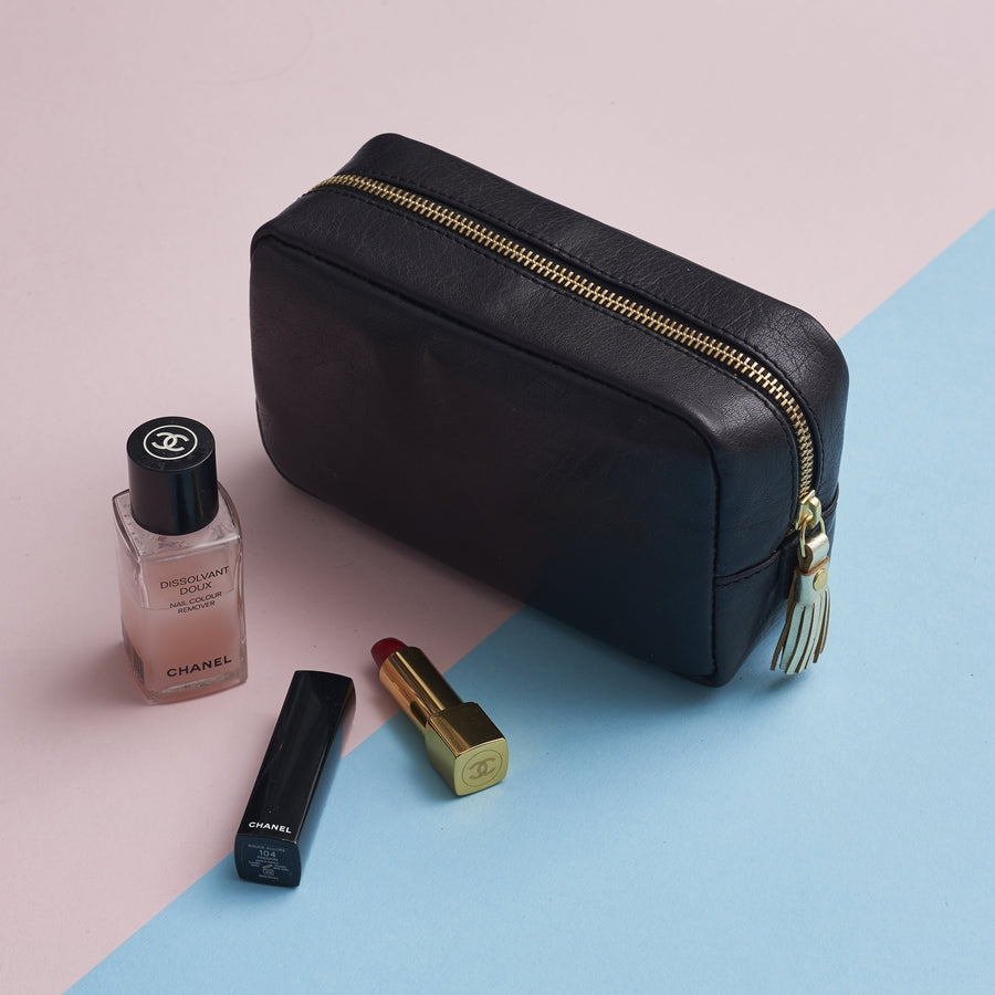 make up bag in black and gold for women